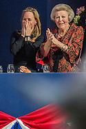 AMSTERDAM - Beatrix en Margarita tijdens Jumping Amsterdam Prinses Margarita ontvangt haar peettante prinses Beatrix bij Jumping Amsterdam. Margarita is bestuurslid van het paardensportevenement in de RAI. <br /> AMSTERDAM - Beatrix and Margarita at Jumping Amsterdam Princess Margarita received her godmother Princess Beatrix at Jumping Amsterdam. Margarita is a board member of the equestrian event at the RAI. copyright robin utrecht