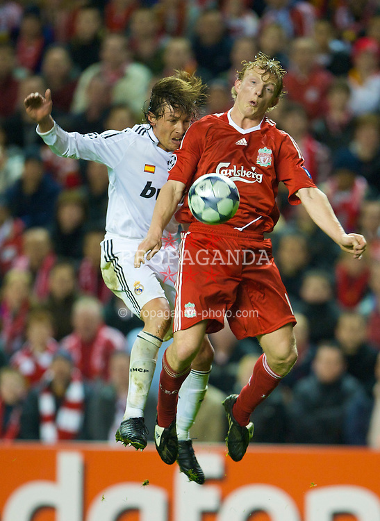 LIVERPOOL, ENGLAND - Tuesday, March 10, 2009: Liverpool's Dirk Kuyt and Real Madrid's Gabriel Heinze during the UEFA Champions League First Knockout Round 2nd Leg match at Anfield. (Photo by David Rawcliffe/Propaganda)