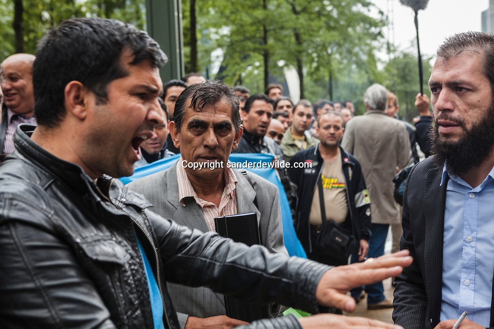 About 300 Roma people from all over Europe demonstrated at the DVZ (foreign affairs offices) They protest against the systematical deportation of Roma to countries outside of the European Union, by EU gouvernments. Brussels 13 July 2012