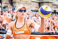 DEN HAAG - Poulewedstrijd Meppelink/van Iersel tegen Mashkova / Tsimbalova , Beachvolleybal , WK Beach Volleyball 2015 , 26-06-2015 , Marleen van Iersel