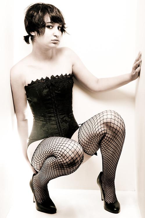 """White Box #843"" Model: Bella Razor"