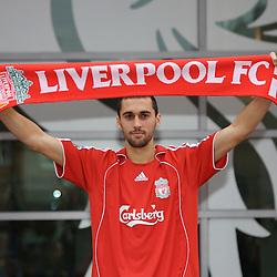 070201 Liverpool sign Arbeloa