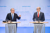 16 MAR 2017, BERLIN/GERMANY:<br /> Reiner Haseloff (L), CDU, Ministerpraesident Sachsen-Anhalt, und Erwin Sellering (R), SPD, Ministerpraesident Mecklenburg-Vorpommern, waehrend einer Pressekonferenz nach einer Sitzung der Ministerpraesidentenkonferenz, Bundesrat<br /> IMAGE: 20170316-02-016<br /> KEYWORDS: Ministerpr&auml;sidentenkonferenz, MPK