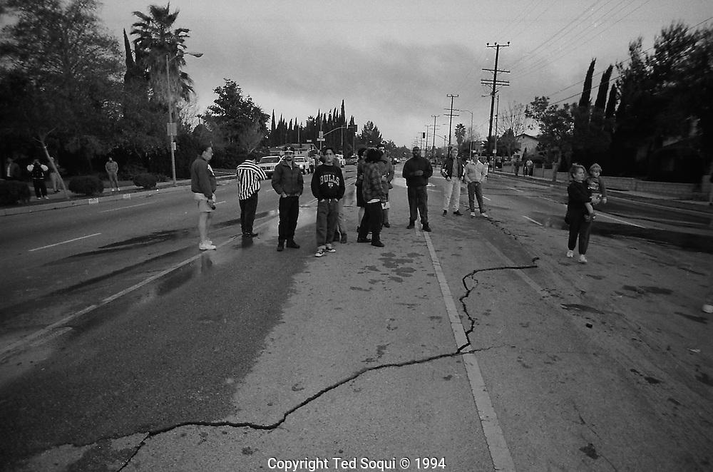 Residents of Northridge on Balboa Ave.<br /> Northridge earthquake.
