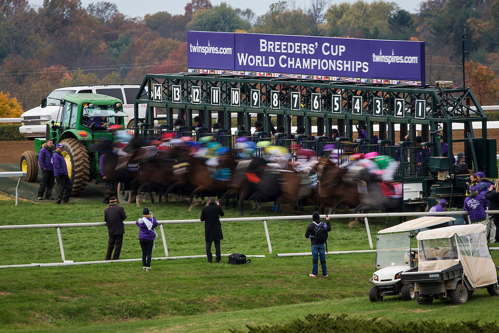 October 31, 2015: The Start of  the  Breeders' Cup Mile at Keeneland Race Track in Lexington, Kentucky. Evers/ESW/CSM