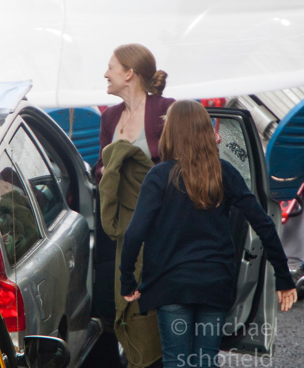 "Day two of filming. Brad Pitt's co-stars Mireille Enos on the set of the movie ""World War Z"" being shot in the city centre of Glasgow. The film, which is set in Philadelphia, is being shot in various parts of Glasgow, transforming it to shoot the post apocalyptic zombie film..© pic : Michael Schofield."