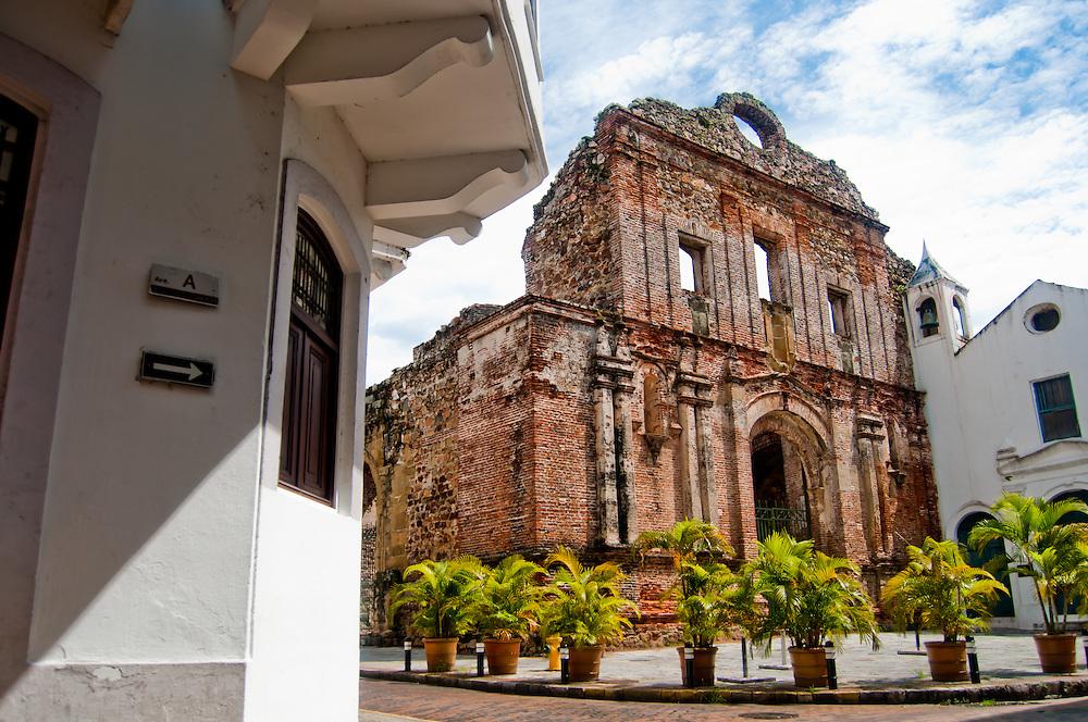 CASCO VIEJO / OLD TOWN - PANAMA CITY  AARON SOSA  PHOTOGRAPHY  DOCUMENTARY