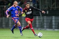 ROTTERDAM - SBV Excelsior - Feyenoord , Voetbal , Seizoen 2015/2016 , Eredivisie , Stadion Woudestein , 28-11-2015 , Speler van Feyenoord Karim El Ahmadi (l) in duel met Excelsior speler Brandley Kuwas (r)