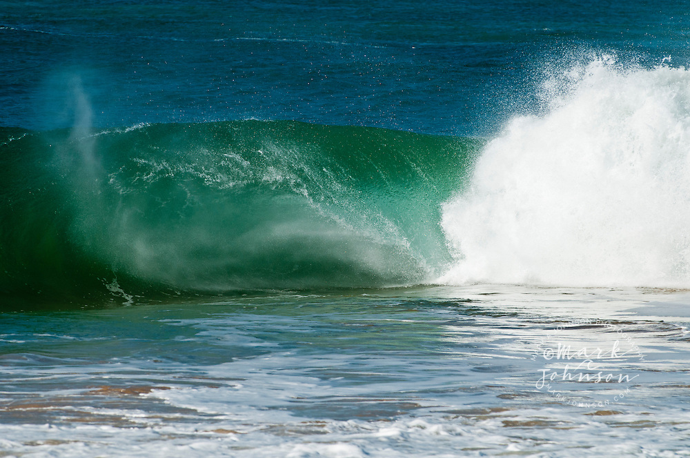 Spitting tube, hollow wave, Hawaii