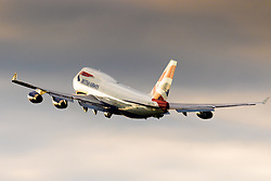 A British Airways Boeing 747-400 takes off from London's Heathrow Airport (LHR / EGLL).