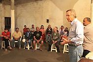 SAO PAULO - 11.28.2012. ANDREA MATARAZZO 45450. O candidato a vereador Andrea Matarazzo, participa de encontro com moradores do bairro do Grajaú. São Paulo, Brasil, julho 28, 2012. DANIEL GUIMARÃES/DIVULGAÇÃO