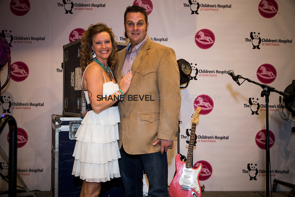 11/1/13 6:48:15 PM --- 2013 Painted Pony Ball for The Children's Hospital at Saint Francis with Chris Young and Dwight Yoakam. <br /> <br /> Photo by Shane Bevel