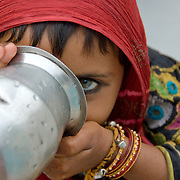 India (Rajasthan) - portrait of a village girl (gypsy). PUS0001
