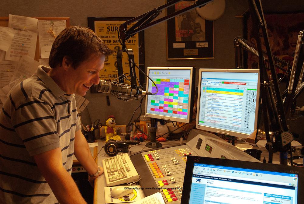 David Jones DJ Oldies 108 at station