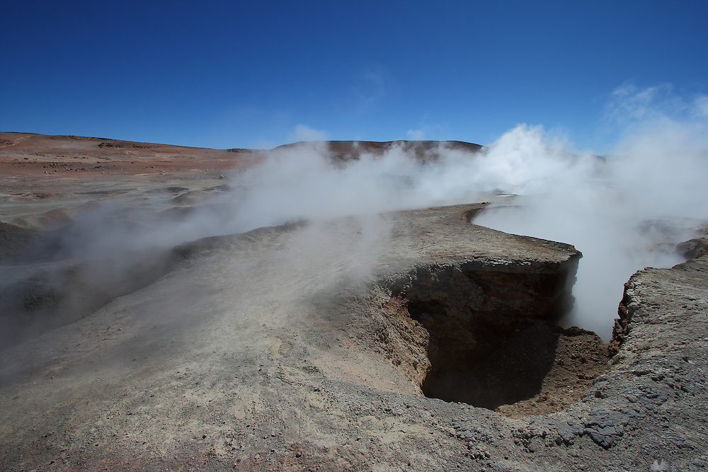 Fumaroles and bubbling mud pool at the Sol de Mañana Geysers, at 5,300 metres above sea-level on the Bolivian Altiplano
