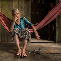 Doctors and nurses from the Igaraçu visit homes in the indigenous communities Monday Amazon river, aka Rio Madeira June 15, 2015. Photo Ken Cedeno