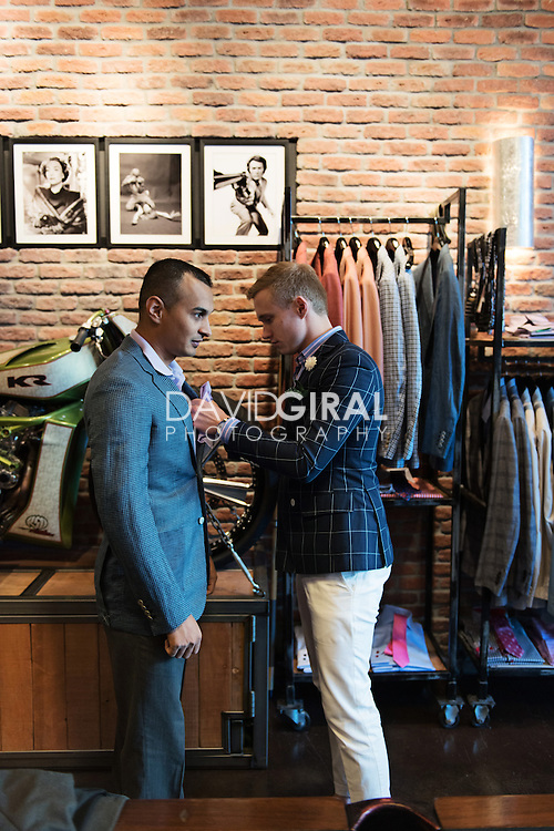 Brooks Brothers in LAS VEGAS,NV is the original authority on American style, offering stylish modern clothing and fresh takes on heritage designs f This is a top notch store with wonderful clothing for men and women as well as accessories and gift items.