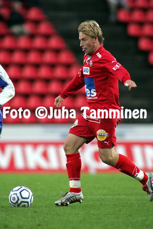 12.09.2004, Ratina, Tampere, Finland..Veikkausliiga 2004 / Finnish League 2004.Tampere United v FF Jaro.Jimmy Wargh - Jaro.©Juha Tamminen.....ARK:k