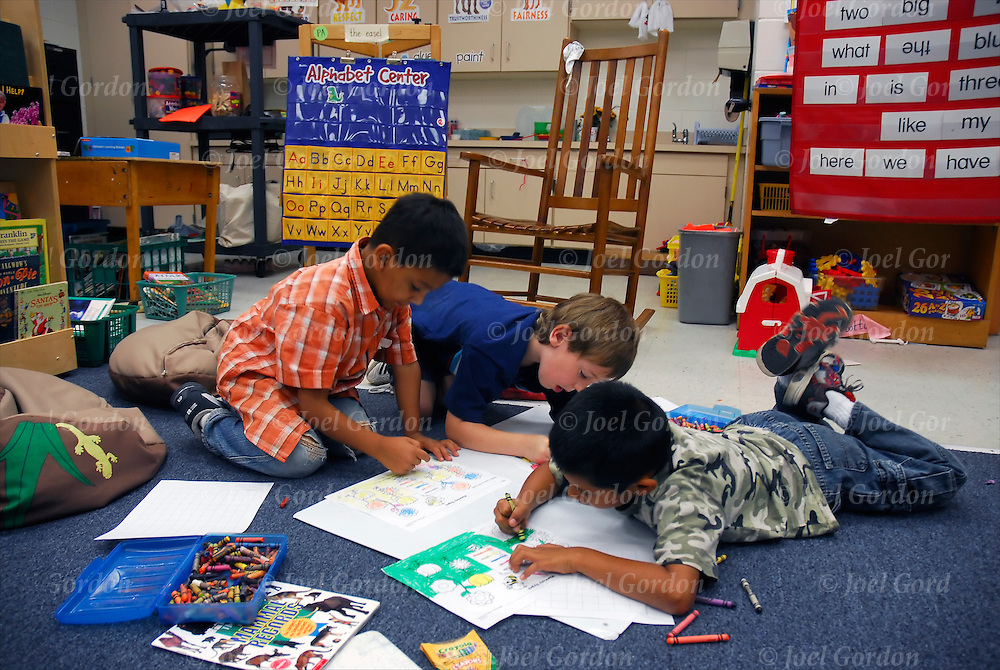 working together activities for students Students will be able to define teamwork students will work together to brainstorm 3 learning centers find several center station activities for a theme on.