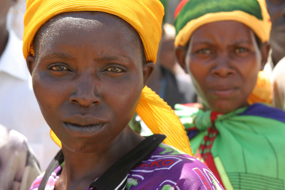 Women in a village in the center of Burundi- Africa- attending a traditional ceremony..@ Martine Perret. 14 October 2005