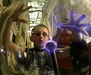 03.07.2006 Warszawa poular science exhibition in Palacu Mlodziezy organized by Centrum Kopernik titled Eksperymentuj. Fot Piotr Gesicki