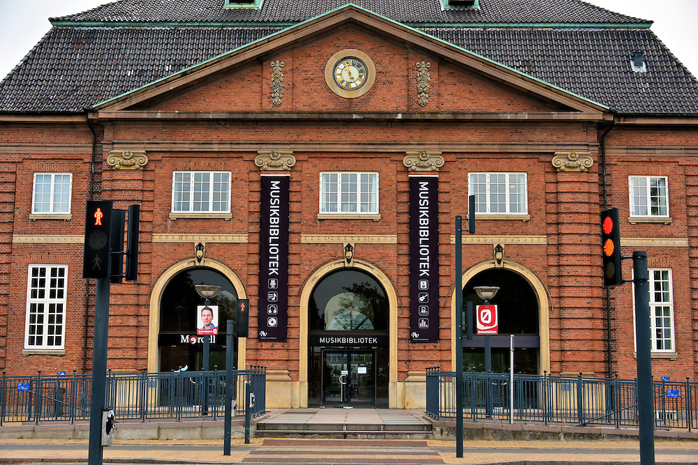 Old train station now music library in odense denmark for Classic house radio station