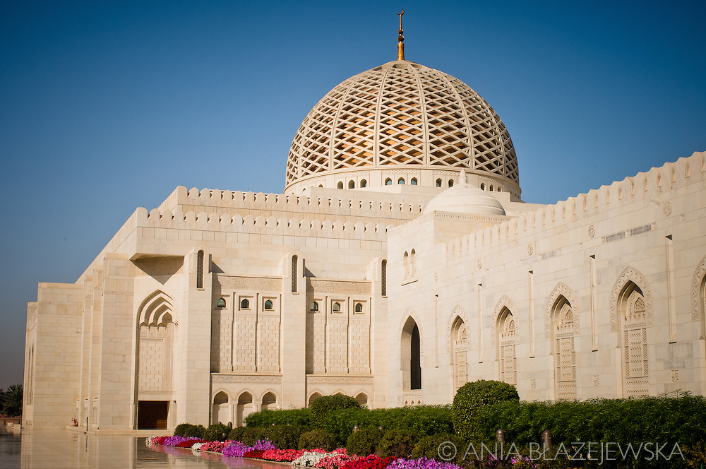 Oman, Muscat. The Grand Mosque situated in Al-Ghubrah is an amazing piece of architecture.