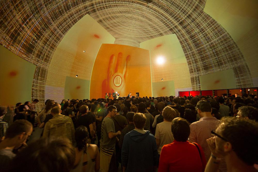 Clark (UK), Nocturne 4, SATOSPHERE, Société des arts technologiques [SAT] 2 juin 2012.