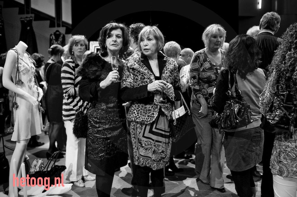 waar:Hengelo Rabotheater/Wat:Fundraising Fashion Fair/wanneer:15 maart 2009  12:52 uur