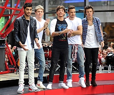 """AUG 23 2013 One Direction Performs On NBC's """"Today"""""""