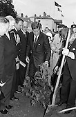 1963 - 27/06 John Fitzgerald Kennedy Attends Garden Party at Áras an Uachtaráin