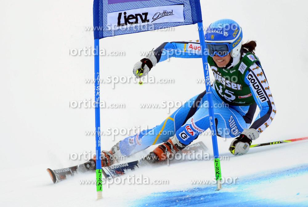 28.12.2013, Hochstein, Lienz, AUT, FIS Weltcup Ski Alpin, Lienz, Riesentorlauf, Damen, 1. Durchgang, im Bild Maria Pietilä-Holmner (SWE) // Maria Pietilä-Holmner (SWE) during the 1st run of ladies giant slalom Lienz FIS Ski Alpine World Cup at Hochstein in Lienz, Austria on 2013/12/28. EXPA Pictures © 2013, PhotoCredit: EXPA/ Erich Spiess