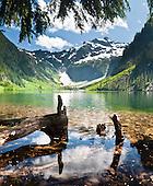 Mountain Loop Hwy: snow, lakes, water