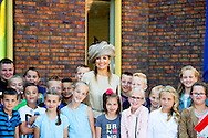 9-6-2016 URK Queen Maxima gives Thursday morning June 9 in Urk launched Neighbours' Day, which this year takes place on Saturday 24th September. During Neighbours' Day organizing residents activities that promote contact between people in the neighborhood. COPYRIGHT ROBIN UTRECHT<br /> 9-6-2016 URK Koningin Maxima geeft donderdagochtend 9 juni in Urk het startsein voor Burendag, dat dit jaar op zaterdag 24 september plaatsvindt. Tijdens Burendag organiseren wijkbewoners activiteiten die het contact tussen mensen in de buurt bevorderen. COPYRIGHT ROBIN UTRECHT
