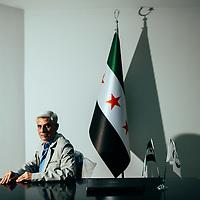 HSUL 20140926 ISIKSEN vallan alla. Mahmud al-Hadi, Raccasta kuvattu toimistolla Gaziantepissä, Turkissa. Kuva: Benjamin Suomela HS