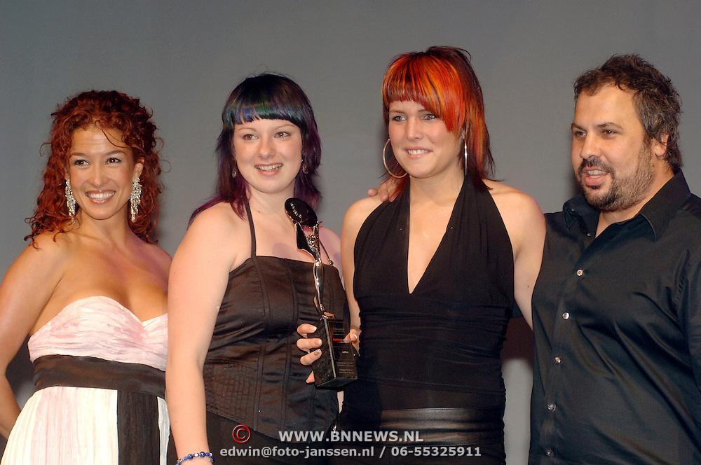 NLD/Hilversum/20060514 - Uitreiking Coiffure Awards 2006, Katja Schuurman, winnaar, Tylor Johnston