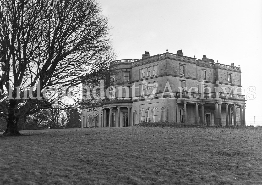 R533 Rockingham Castle, Boyle, Co. Roscommon. 21st January 1954. (Part of the Independent Ireland Newspapers/NLI Collection)
