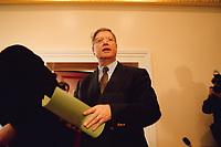 04 JAN 2000, BERLIN/GERMANY:<br /> Joachim H&ouml;rster, CDU, Parl. Gesch&auml;ftsf&uuml;hrer CDU/CSU Fraktion, w&auml;hrend einer Pressekonferenz zum Geldtransfer an die CDU, Deutscher Bundestag, Unter den Linden 71<br /> IMAGE: 20000104-01/02-30<br /> KEYWORDS: Hoerster