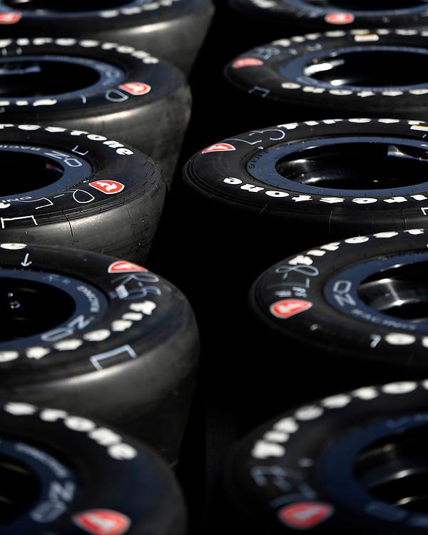 Verizon IndyCar Series<br /> Desert Diamond West Valley Phoenix Grand Prix<br /> Phoenix Raceway, Avondale, AZ USA<br /> Friday 28 April 2017<br /> Firestone tires<br /> World Copyright: Scott R LePage<br /> LAT Images<br /> ref: Digital Image lepage-170428-phx-332