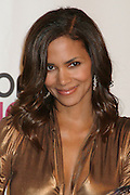 Halle Berry arriving at the 33rd Annual People's Choice Awards in Los Angeles, CA  1/9/2007.