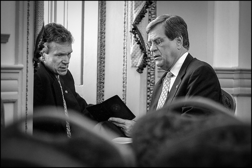 Senators Daschle & Lott talk about the Senate schedule for the rest of the year after a meeting of other Senators concerning the cleaning of the Hart Building.  10/30/01..©PF BENTLEY/PFPIX.com
