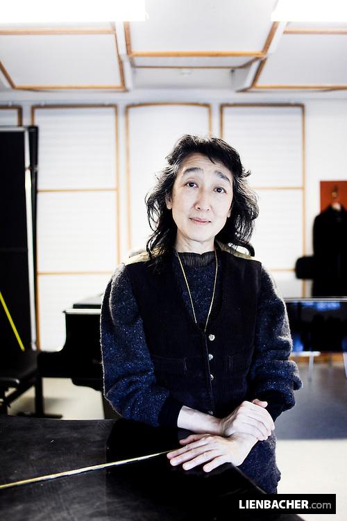 Portrait of Mitsuko Uchida in room 446 of salzburgs grand festival hall. photo: Wolfgang Lienbacher