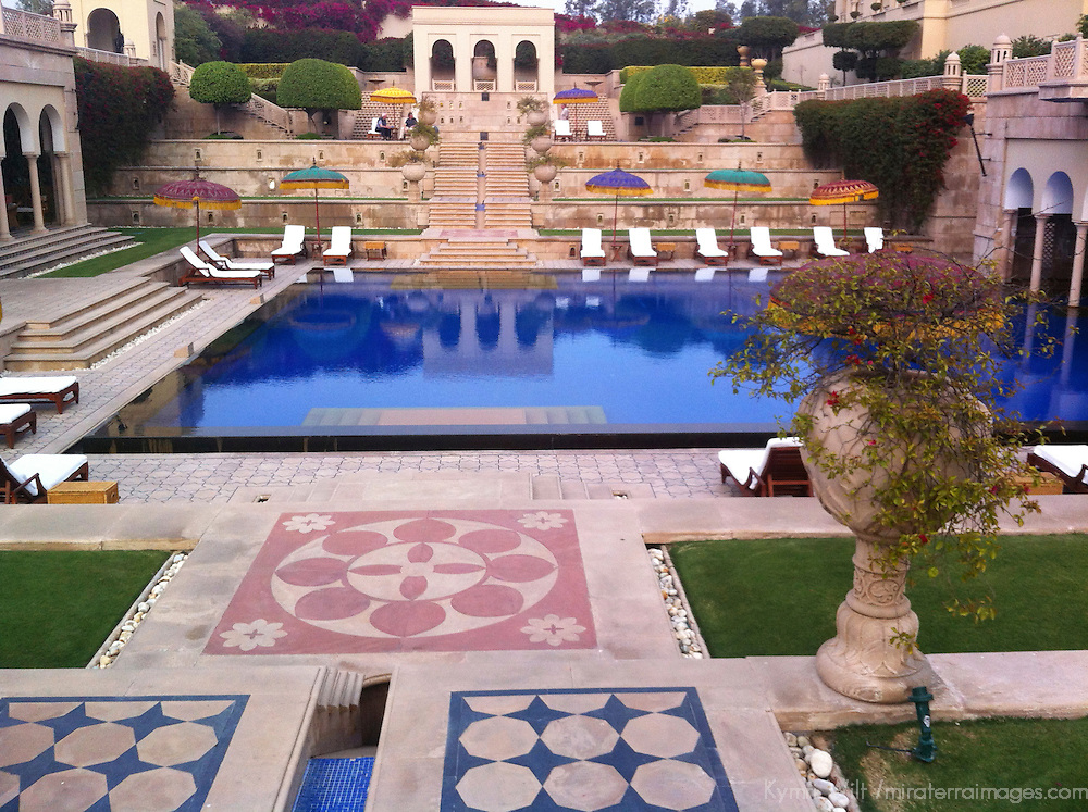 Asia, India, Agra. Oberoi Amarvilas Pool & Terraces.