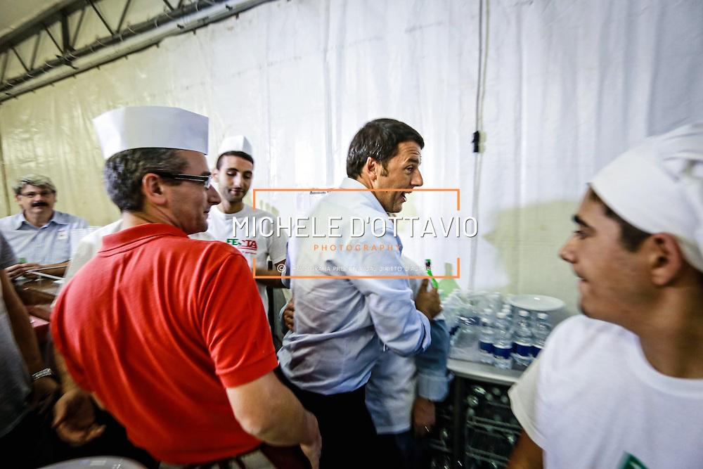 Anche a Torino, come nelle diverse tappe italiane, Matteo Renzi ha fatto un vero e proprio bagno di folla alla Festa del Pd.<br /> <br /> In Turin, as in the different stages Italian, Matteo Renzi has made a real huge crowd at the Feast of the Democratic Party.