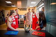 LELYSTAD - Koningin Maxima opent donderdagochtend 20 april 2017 in Wijkcentrum Zuiderzee in Lelystad het 50e&nbsp;Resto VanHarte. Het 50e&nbsp;Resto is een KinderResto. Kinderen in de leeftijd van 8 tot en met 13 jaar kunnen hier samenkomen om te koken en te leren over voeding, bewegen en samenwerken. Staatssecretaris Klijnsma van Sociale Zaken en Werkgelegenheid is bij de opening aanwezig.COPYRIGHT ROBIN UTRECHT<br /> <br /> 20-4- Lelystad - Queen Maxima opens Thursday morning, April 20, 2017 in Community Center Zuiderzee in Lelystad 50th Resto VanHarte. The 50th Resto is a Kids Resto. Children aged 8 to 13 years old can come together to cook and learn about nutrition, exercise and work. Klijnsma State Secretary for Social Affairs and Employment at the opening aanwezig.COPYRIGHT ROBIN UTRECHT