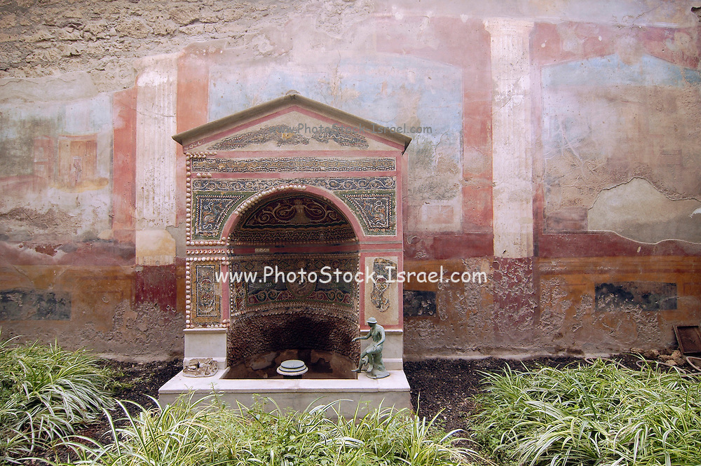 The fountain House of the small fountain, Casa Della fontana piccola, the ruins at Pompeii, Campania, Italy under the Vesuvius volcano, July 2006