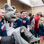 Alumni gathered at a hotel in San Jose, California, to celebrate Gonzaga's Sweet 16 victory over West Virginia. (Photo by Edward Bell)