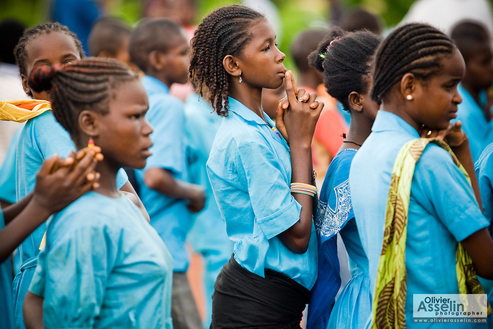 Children stand in line in the school yard during a visit by UNICEF Goodwill Ambassador Mia Farrow at the Bazzama primary school in the town of Bazzama, Cameroon on Wednesday September 16, 2009.