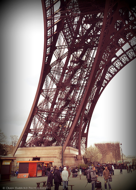 an analysis of eiffel tower Engineering the eiffel tower search this site the eiffel tower about the webpage designers an in-depth analysis of the soil below the eiffel tower was completed and necessary to understanding the durability of the soil through the analysis.
