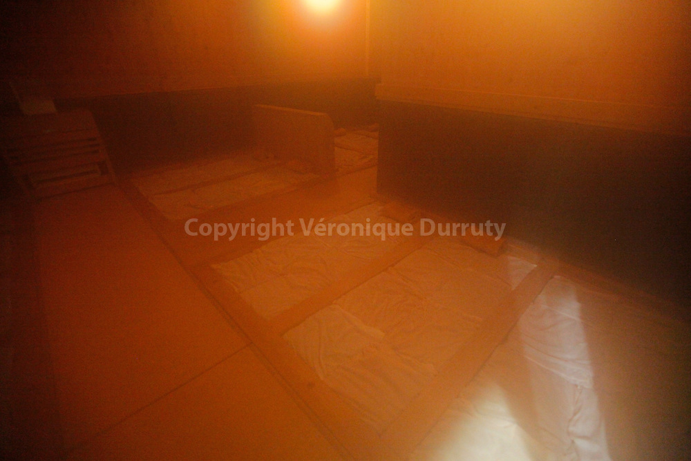 sauna in a Capsule hotel in Kinchisho, Tokyo, Japan // Sauna dans un Hotel Capsule à Kinshisho, Tokyo, Japon